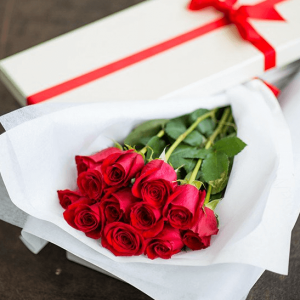 Classic Boxed Roses