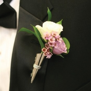 Ultimate Deluxe Boutonniere