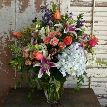 Deluxe Seasonal Vase