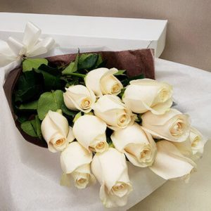 Classic boxed roses - white - Canadian Forces