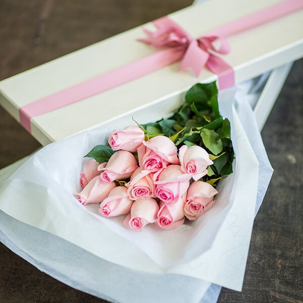 Classic boxed roses – pink
